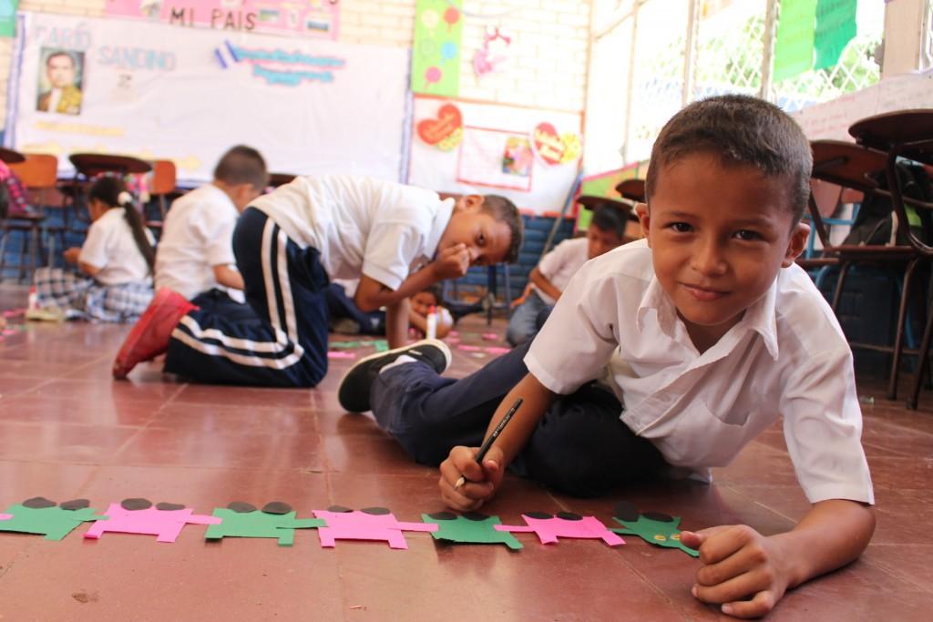 World Vision promueve el desarrollo pleno de los niños y niñas mediante la crianza con ternura, que valora sus capacidades, potencial, aspiraciones e integridad.